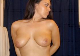 Femme de Colmar avec des seins énormes cherche un rendez-vous sexe